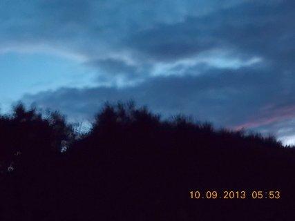 FOTKA - 10.9. - 9.9. - 10 -  nebe po ránu bylo zajímavé