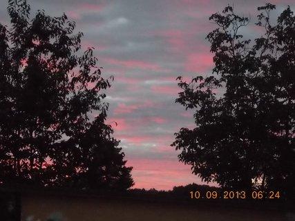 FOTKA - 10.9. - 9.9. - 13 -  nebe po ránu bylo zajímavé