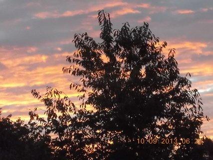 FOTKA - 10.9. - 9.9. - 17 -  nebe po ránu bylo zajímavé