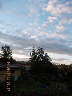 FOTKA - 10.9. - 9.9. - 21 -  nebe po ránu bylo zajímavé