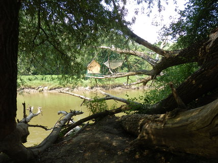 FOTKA - u soutoku Moravy a Dyje, druhý břeh už je Rakousko