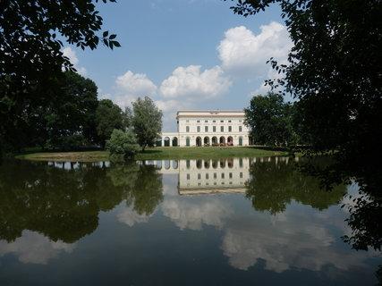 FOTKA - mám ráda zrcadlení, i u Pohanska lze takový záběr najít (cyklotoulání jižně od Břeclavi)