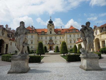 FOTKA - cyklotoulky jižní Moravou - Valtice -  zámek