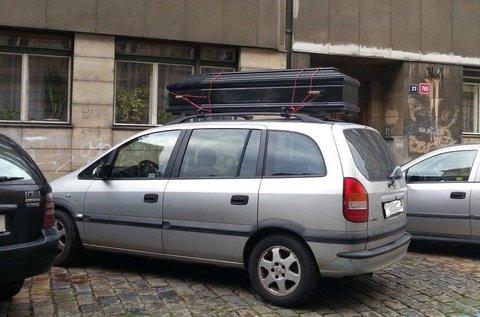FOTKA - Další úložný prostor auta.....