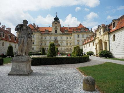 FOTKA - vzpomínky na prázdniny - Valtice, zámek