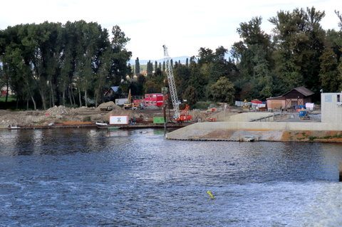 FOTKA - Na pravém břehu se staví hydroelektrárna