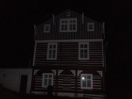 FOTKA - roubenka v noci 2