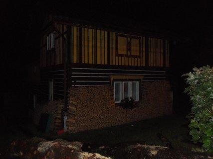 FOTKA - roubenka v noci 3