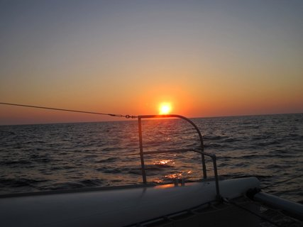 FOTKA -  plavba na katamaránu a poslední západ slunce na Krétě