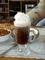 kafe se šlehačkou.