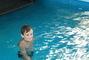 Péťa v bazénu,,