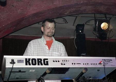 FOTKA - Koncert 16.5.08 v klubu XT3 Praha 3