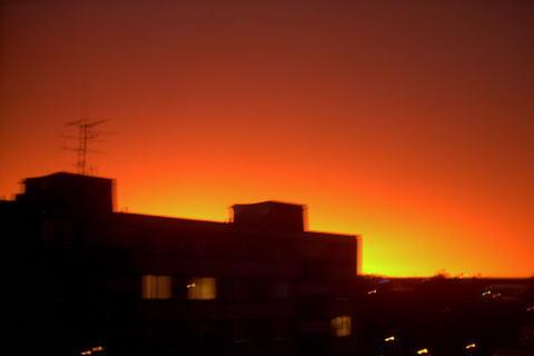 FOTKA - trochu rozmazany,tak pardon,ale ta barva oblohy