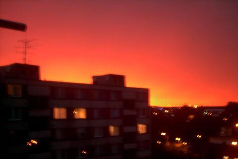 FOTKA - po bource je oranzovo