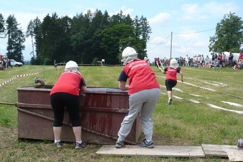 FOTKA - hasičská soutěž-Žernov  28.6.08-útok-sání