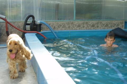 FOTKA - Péťa v bazénu,,,