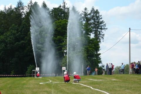 FOTKA - hasičská soutěž-Žernov  28.6.08-útok.