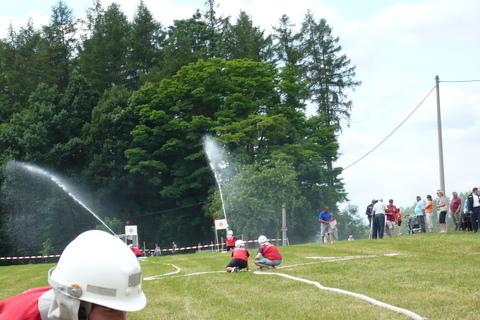 FOTKA - hasičská sotěž-Žernov  28.6.08-naše družstvo-ženy