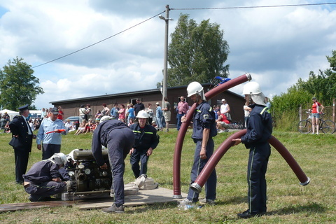 FOTKA - hasičská soutěž-Žernov  28.6.08-naše družstvo-chlapi..
