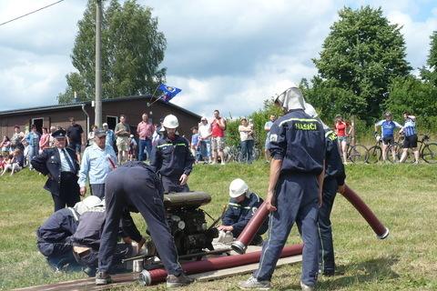 FOTKA - hasičská soutěž-Žernov  28.6.08-naše družstvo-chlapi.