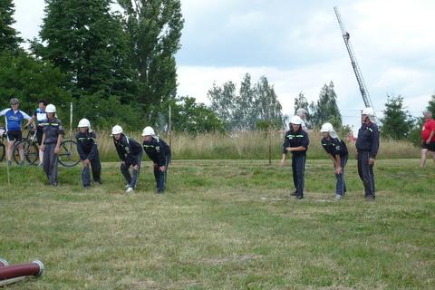FOTKA - hasičská soutěž-Žernov  28.6.08-chlapi na startu