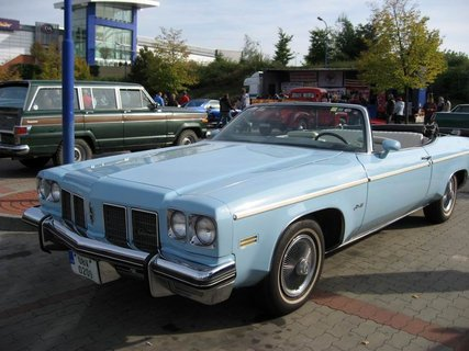 FOTKA - Klub sběratelů amerických historických vozidel  - Veteran US Car Club Praha 6