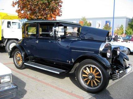 FOTKA - Klub sběratelů amerických historických vozidel  - Veteran US Car Club Praha 7