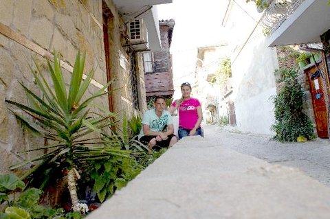 FOTKA - 12.10. - 10.10. - 11 - dcera Věrka s manželem na dovolené