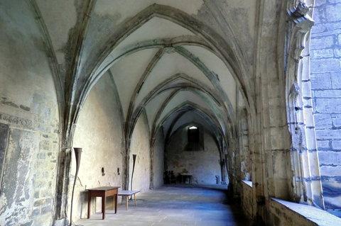 FOTKA - Středověké ambity v klášteře