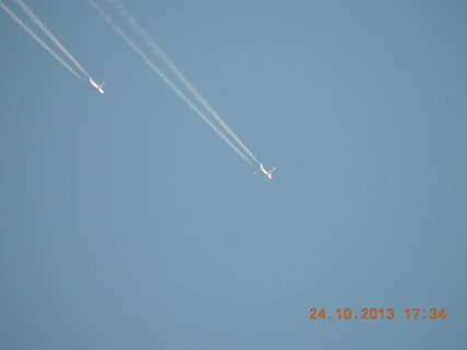FOTKA - Letadla na obloze