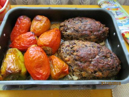 FOTKA - Houbová sekaná a plněné papriky