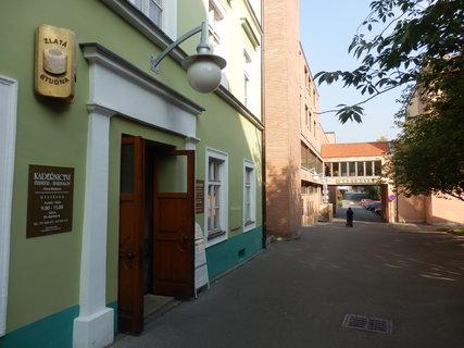 FOTKA - procházka po Teplicích, v Lázeňské uličce