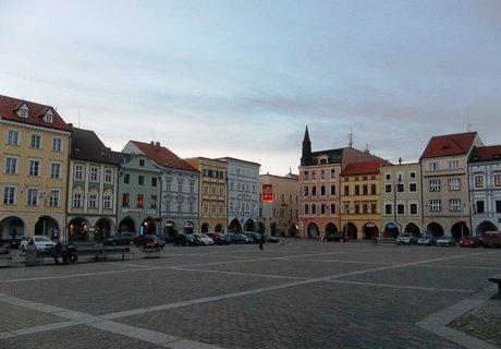 FOTKA - Na náměstí v Č. Budějovicích.. večerní procházka