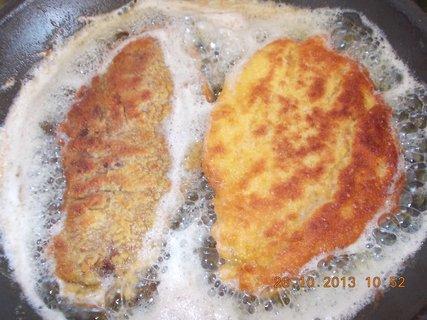 FOTKA - 26.10. - 24.10. - 22 -  smažení kuřecí + játra -  řízky
