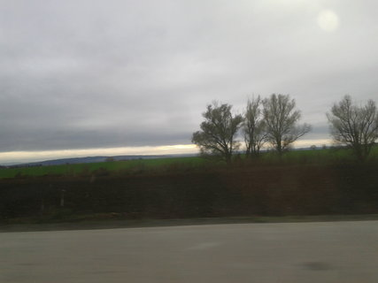 FOTKA - pohled na krajinu z auta 11