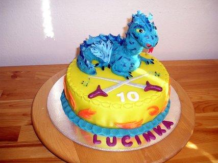 FOTKA - dort s  dráčkem