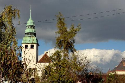 FOTKA - Mraky a kostelní věž