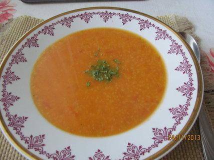 FOTKA - Rajská polévka s bazalkou