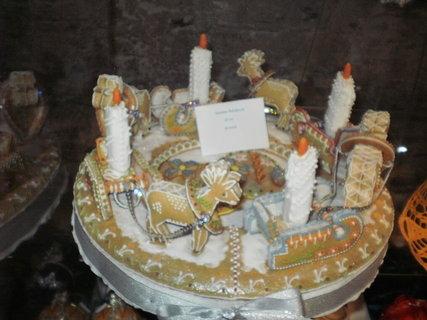 FOTKA - krásný adventní svícen z perníku