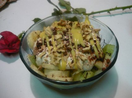 FOTKA - Zimní ovocný salát s vaječným likérem