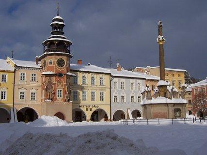 FOTKA - náměstí Hostinné v zimě