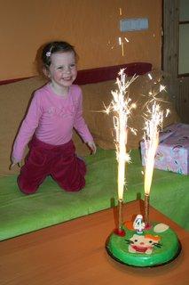 FOTKA - 8.2.2012- vnučka měla 4.narozeniny