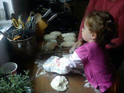 FOTKA - Moje zlatíčko vaří Knedlíky