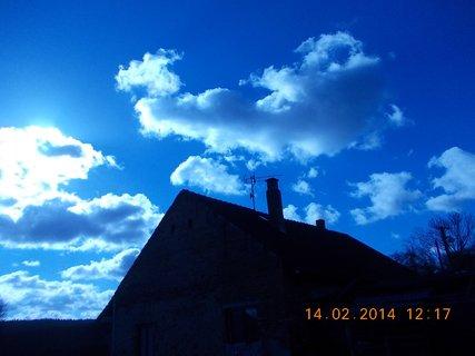 FOTKA - nebe nad domem