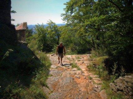 FOTKA - v�stup na hrad Bezd�z - n�ro�n� trasa