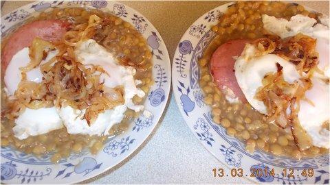FOTKA - čočka, vejce salám, smažená cibulka