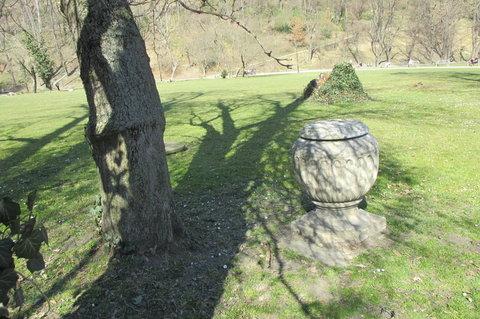 FOTKA - Kinského zahrada - kamenná ozdoba