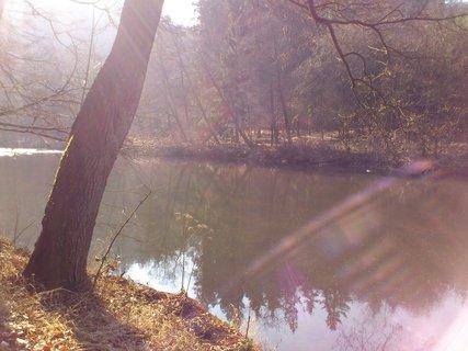 FOTKA - Ohře se slunečními paprsky