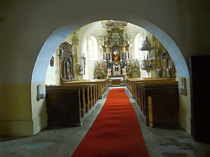 FOTKA - Uvnitř kostela na Božím Daru