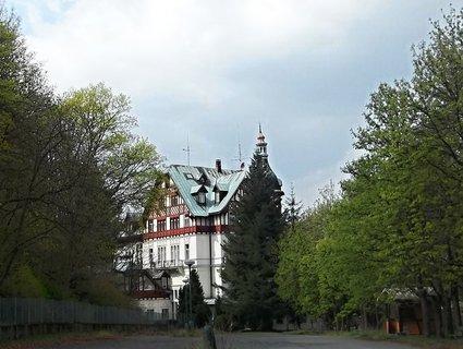 FOTKA - Hezký dům v K.V.